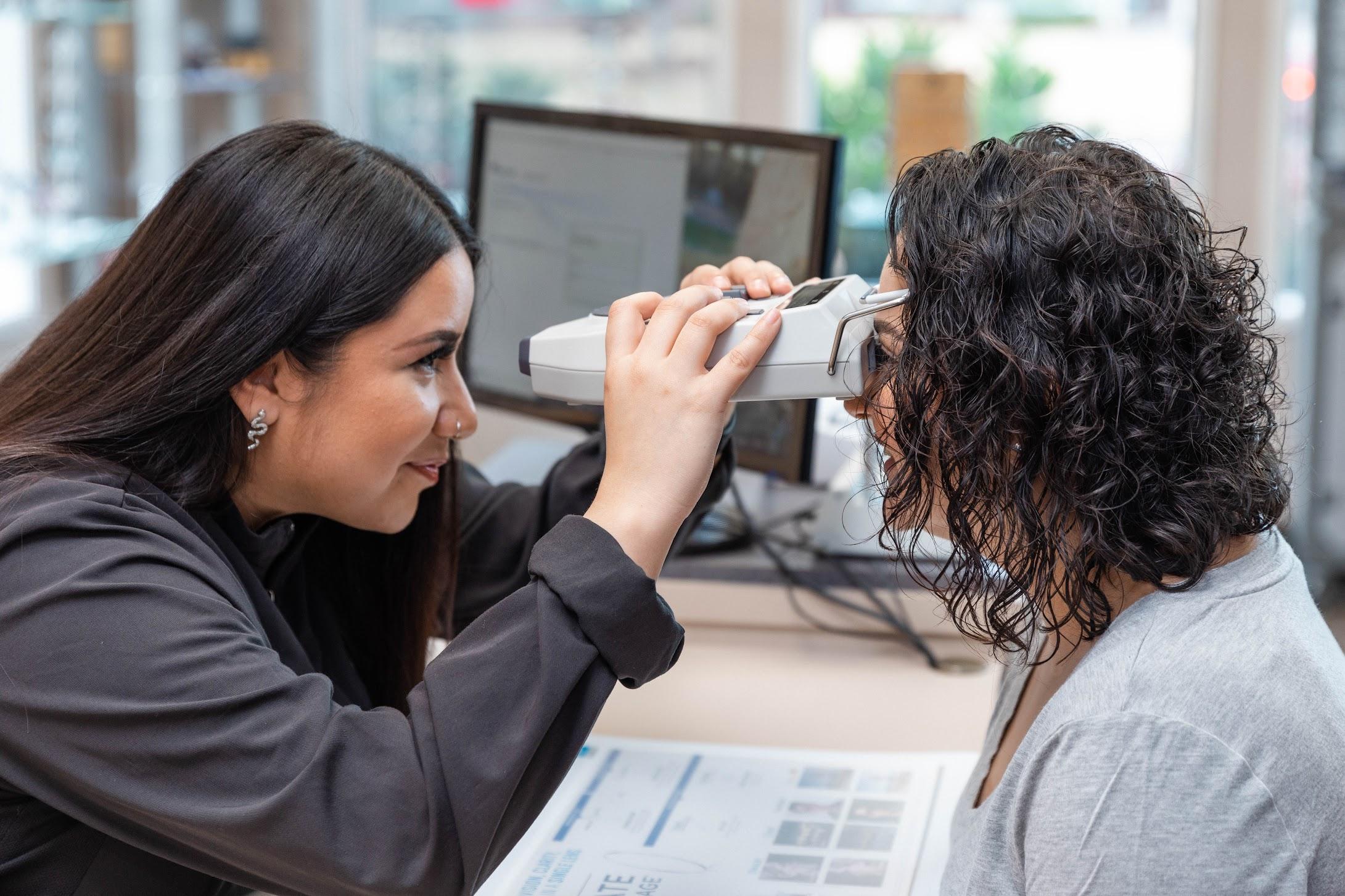 Optometrist in Woodburn, OR